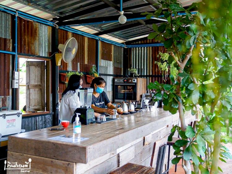 Viral Kafe Konsep Orang Susah dengan Bahan Penuh Seng, Warganet: Ini Simulasi Neraka - Foto 1
