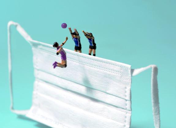 5 Foto Miniatur Kece Olimpiade Tokyo 2020 Seniman Jepang, Masker jadi Obyek - Foto 3