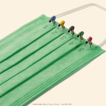 5 Foto Miniatur Kece Olimpiade Tokyo 2020 Seniman Jepang, Masker jadi Obyek - Foto 2