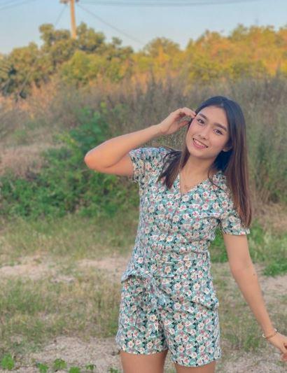 5 Potret Manis Thet Htar Thuzar, Atlet Badminton Myanmar yang Bikin Susah Kedip - Foto 2