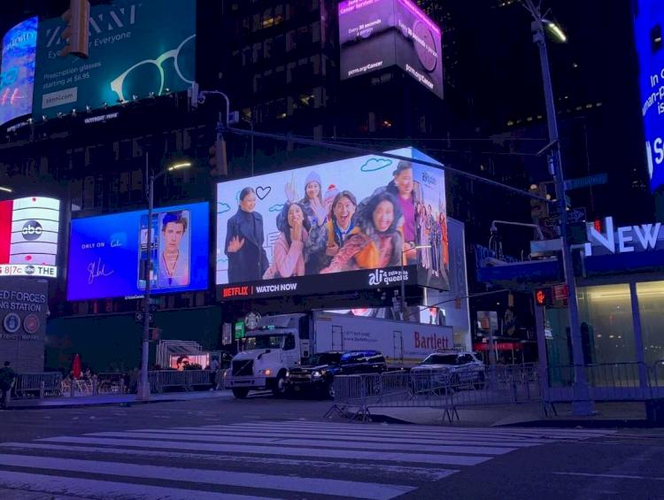 Musik hingga Brand Lokal, 5 Karya Kreatif Anak Bangsa Ini Hiasi Billboard Times Square - Foto 3