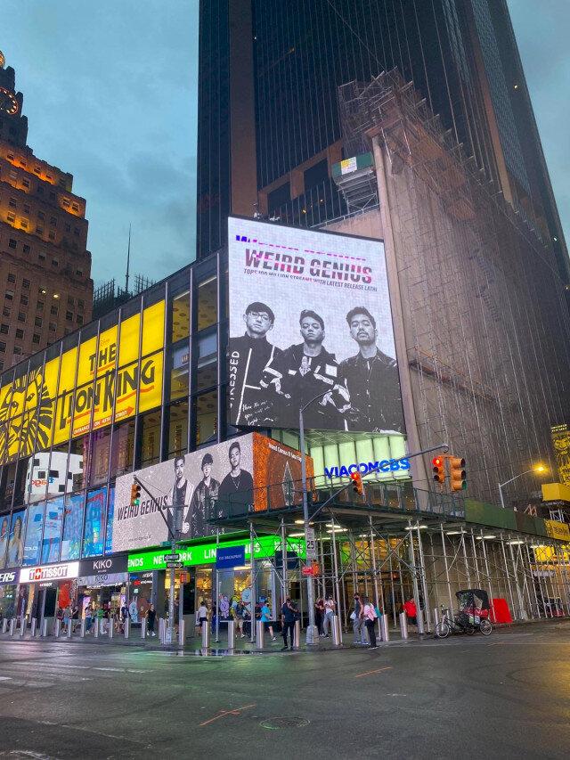 Musik hingga Brand Lokal, 5 Karya Kreatif Anak Bangsa Ini Hiasi Billboard Times Square - Foto 2