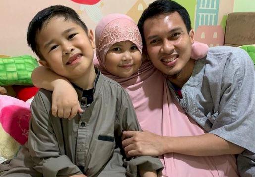 5 Potret Harmonis Keluarga The Daddies M AhsanHendra Setiawan, Bikin Adem Lihatnya - Foto 1