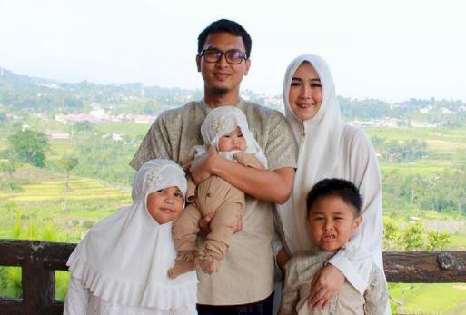 5 Potret Harmonis Keluarga The Daddies M AhsanHendra Setiawan, Bikin Adem Lihatnya - Foto 4