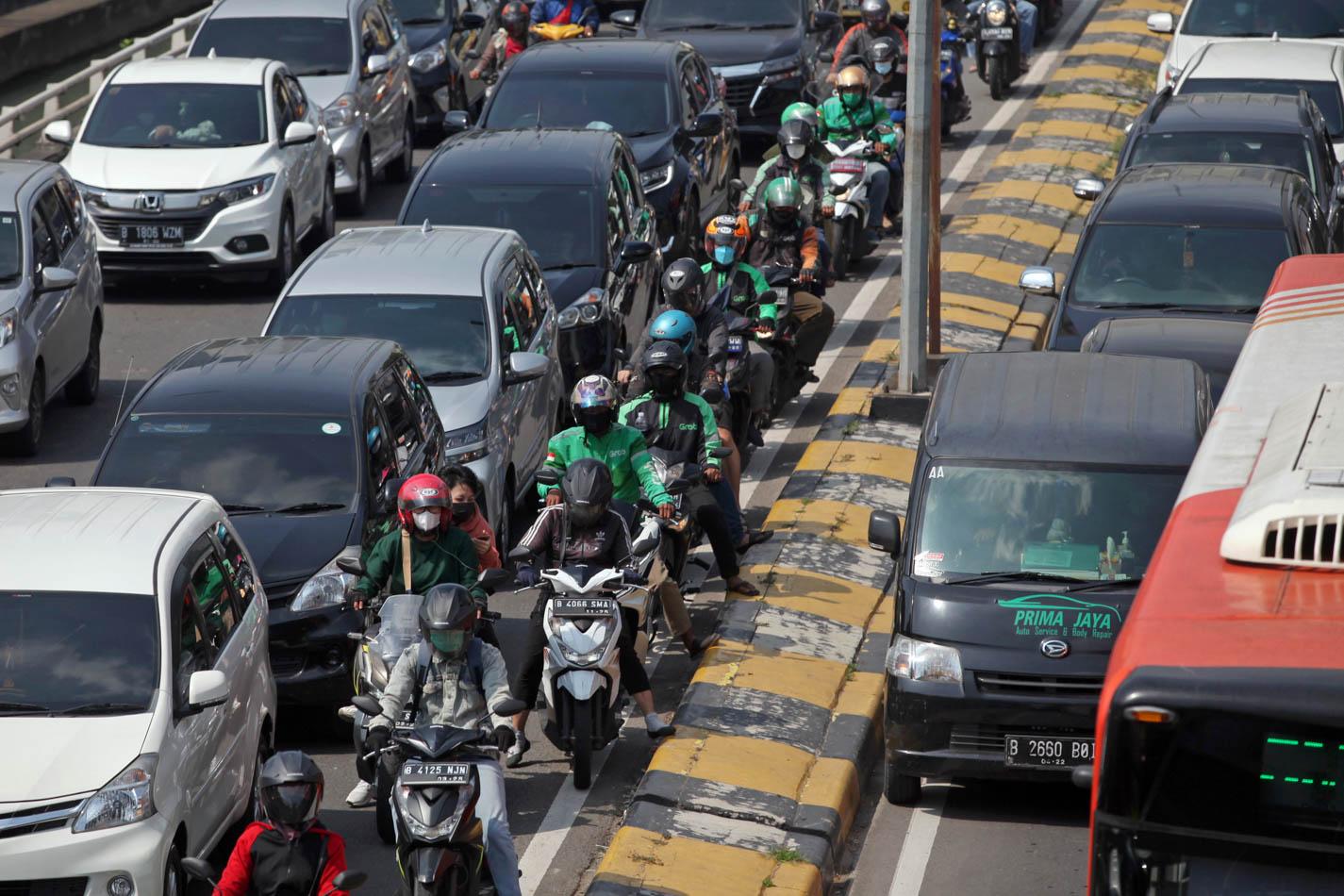 Duh! Volume Lalu Lintas Melonjak hingga 80%, Jakarta Macet Lagi