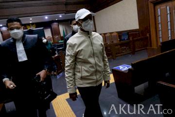 Terbukti Korupsi, Mark Sungkar Divonis 1,5 Tahun Penjara