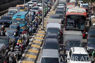 Kendaraan Putar Arah Karena Penyekatan, Kemacetan Tak Terhindarkan