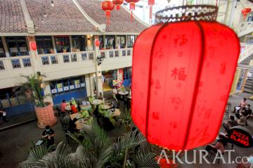 Vaksinasi Massal di Kawasan Chinatown Petak Enam Glodok