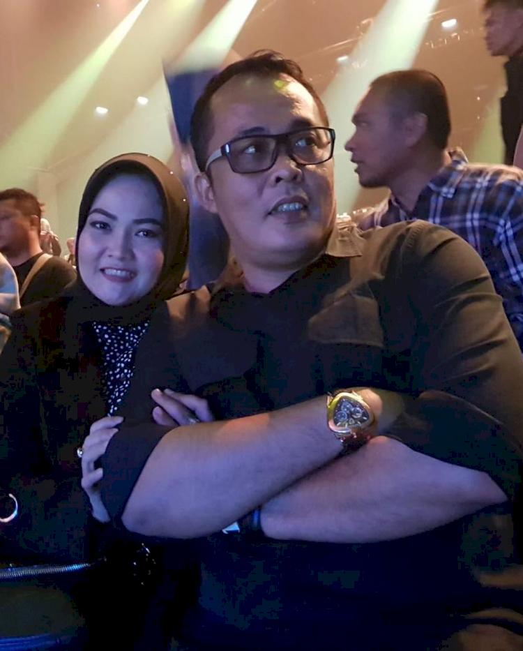 Jarang Tersorot, 7 Potret Romantis Wakil Wali Kota Medan Aulia Rachman dan Istri - Foto 4