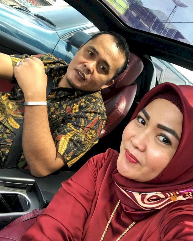 Jarang Tersorot, 7 Potret Romantis Wakil Wali Kota Medan Aulia Rachman dan Istri - Foto 5