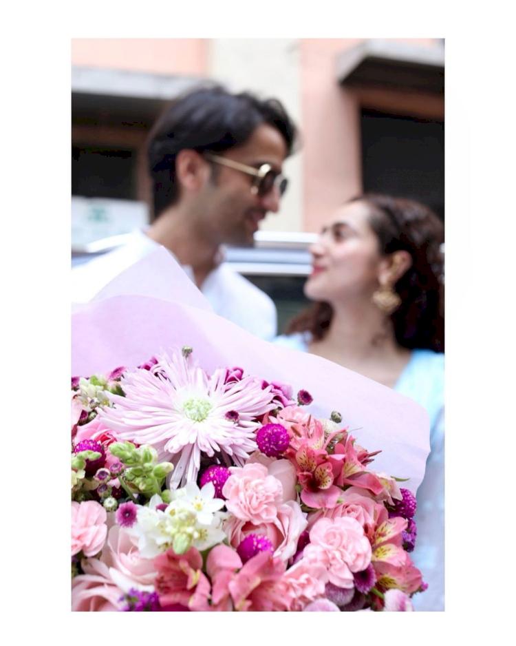 Jarang Tersorot, 7 Potret Romantis Shaheer Seikh bareng Sang Istri - Foto 7
