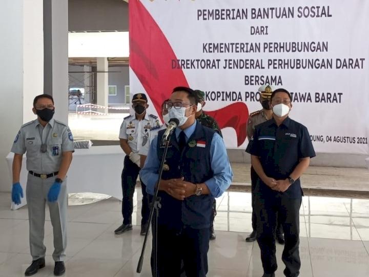 Astra dan Kemenhub Serahkan Bantuan Sosial ke Masyarakat Bandung - Foto 1