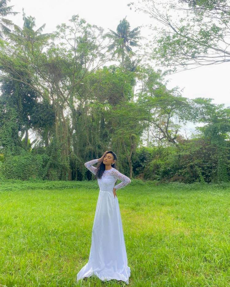 7 Potret Novia Bachmid yang Memukau, Penyanyi Muda yang Trending Youtube - Foto 6
