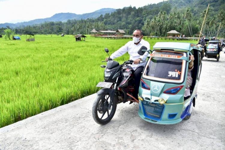 5 Potret Gubernur Sumatera Utara Edy Rahmayadi, Ada yang Sedang Mengendarai Becak - Foto 2