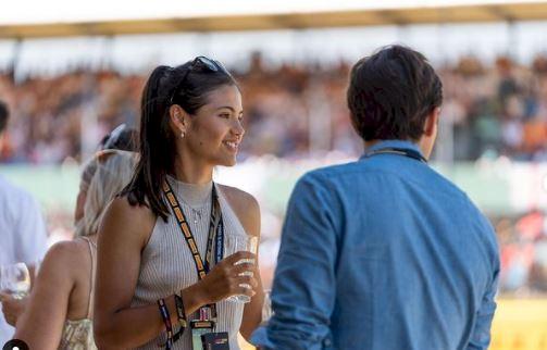 5 Foto Menawan Emma Raducanu, Sosok 18 Tahun Idola Baru Tenis Wanita - Foto 5