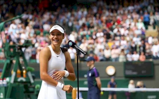 5 Foto Menawan Emma Raducanu, Sosok 18 Tahun Idola Baru Tenis Wanita - Foto 4