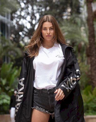 5 Foto Menawan Sara Pagliori, Model Italia Kekasih Pembalap F1 Lance Stroll - Foto 4