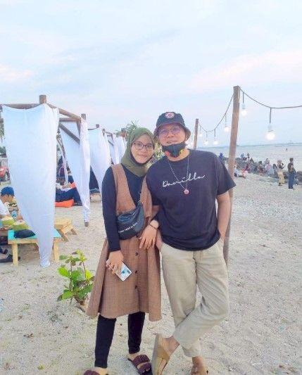 Lamar Penggemar, 7 Potret Romantis Andika Babang Tamvan bareng Tunangan - Foto 5