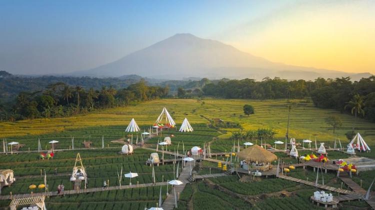5 Rekomendasi Destinasi Wisata yang Tak Boleh Dilewatkan Jika Berkunjung Ke Cirebon - Foto 2