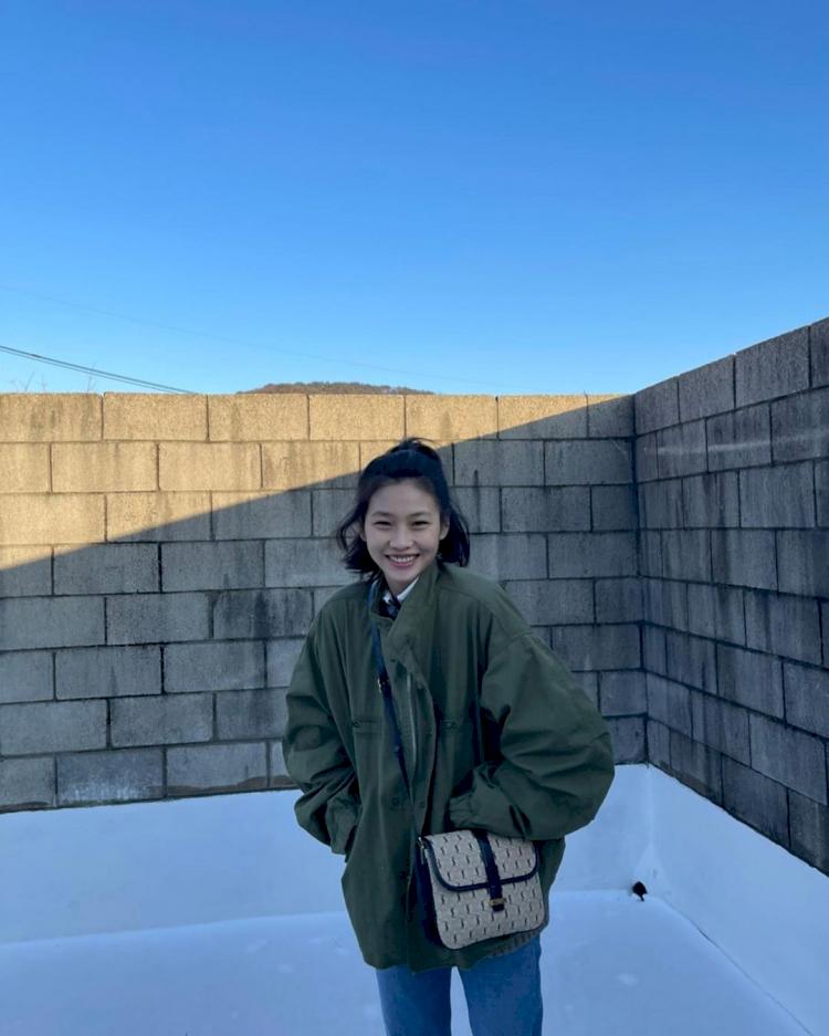 Potret Cantik Model Jung Ho Yeon Kekasih Lee Dong Hwi - Foto 5