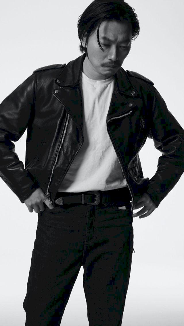 Potret Terbaru Lee Dong Hwi yang Lebih Macho - Foto 3