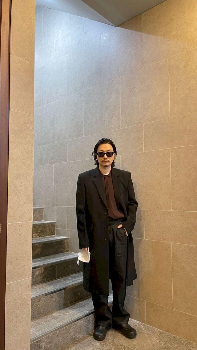 Potret Terbaru Lee Dong Hwi yang Lebih Macho - Foto 1
