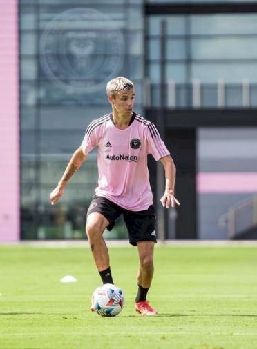 5 Anak Bintang Besar Dunia yang Meniti Karier di Sepak Bola, Terbaru Romeo Beckham - Foto 5