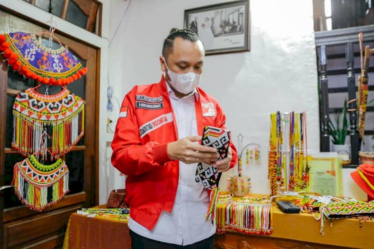 6 Potret Giring Genesha Dalam Kegiatannya Menjadi Plt Ketua Umum PSI - Foto 2
