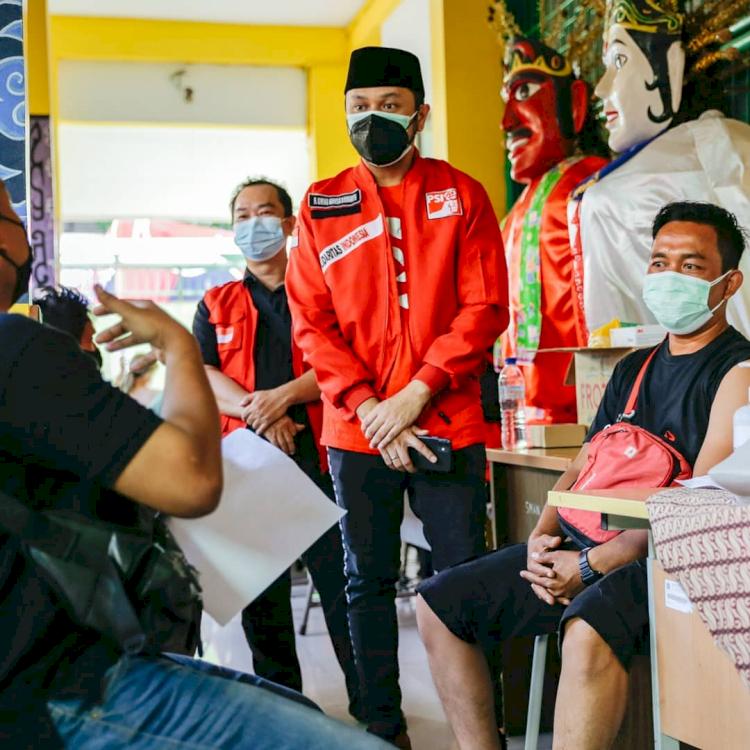6 Potret Giring Genesha Dalam Kegiatannya Menjadi Plt Ketua Umum PSI - Foto 4