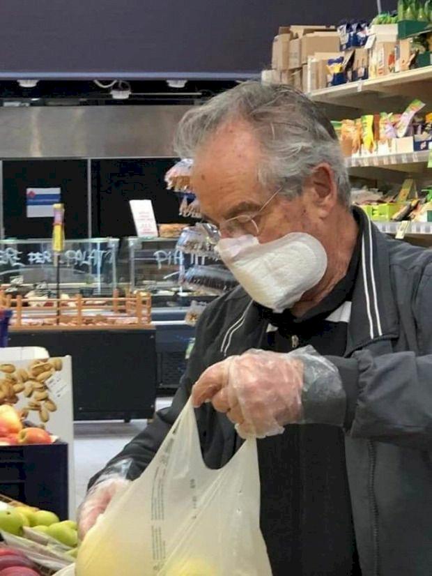 Pembalut hingga Spons Cuci Piring, 7 Potret Kocak Masker Kreasi Warganet - Foto 1