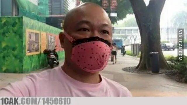 Pembalut hingga Spons Cuci Piring, 7 Potret Kocak Masker Kreasi Warganet - Foto 4