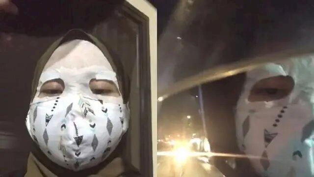 Pembalut hingga Spons Cuci Piring, 7 Potret Kocak Masker Kreasi Warganet - Foto 6