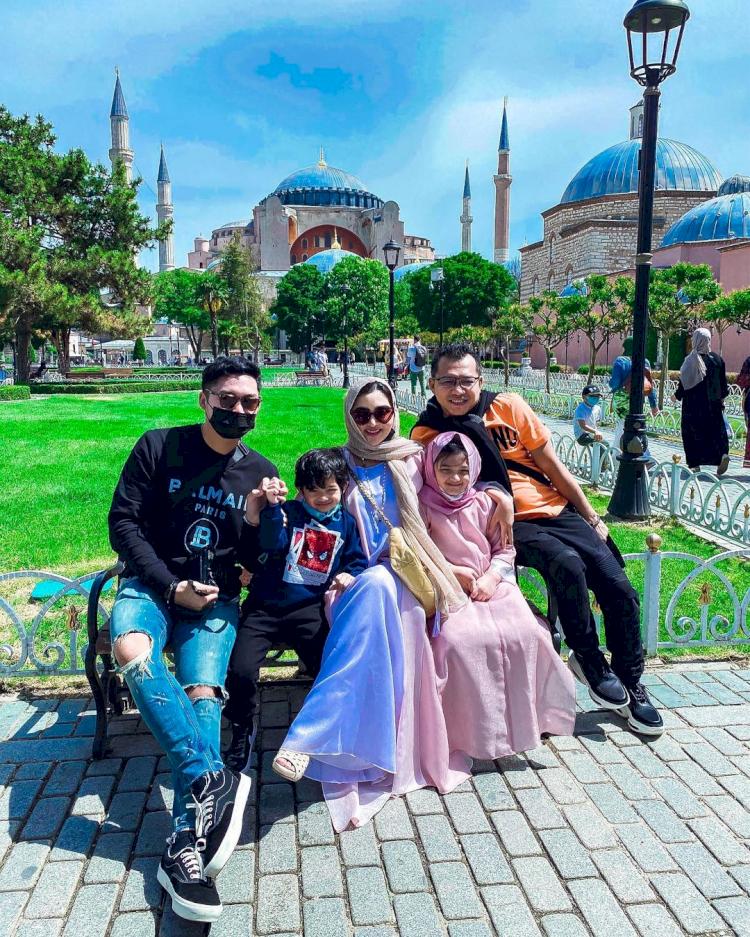 Dari Kesha Ratuliu Hingga Kevin Aprilio, Inilah 6 Selebriti Tanah Air yang Berlibur ke Turki - Foto 2