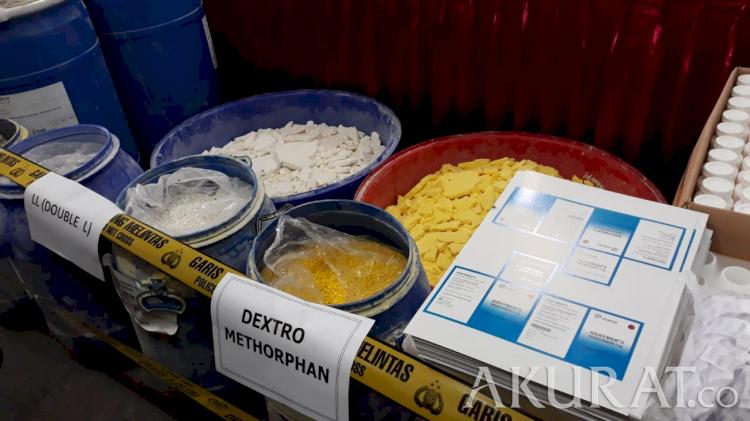 Produksi 2 Juta Pil Sehari, 2 Pabrik Psikotropika Terbesar di DIY Dibongkar - Foto 1
