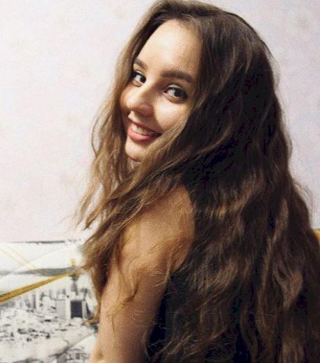 5 Potret Menawan Alina Davletova, Pebulu Tangkis Rusia yang Bikin Hatimu kena Drop Shot - Foto 1