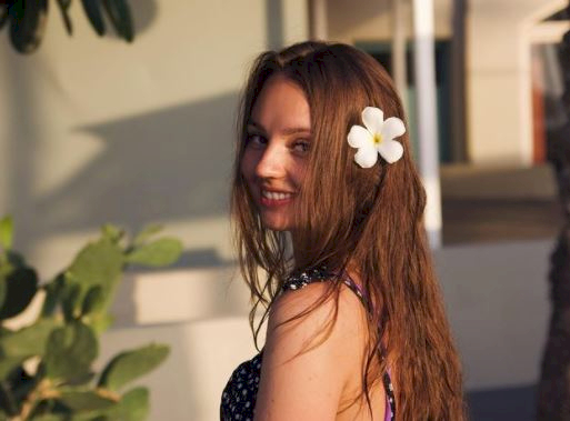 5 Potret Menawan Alina Davletova, Pebulu Tangkis Rusia yang Bikin Hatimu kena Drop Shot - Foto 4