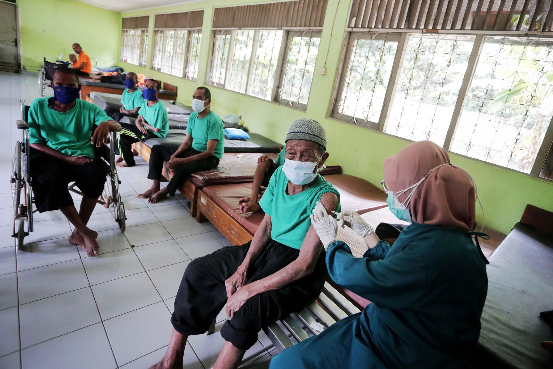 180 Dosis Vaksin ODGJ untuk Kekebalan Kelompok atau Herd Immunity