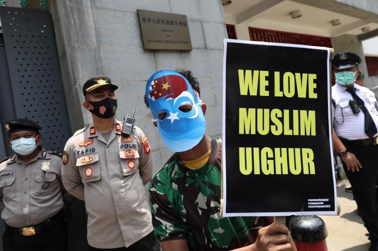 Umat Muslim AS Gelar Protes Atas Pembangunan Hotel di Bekas Masjid Uighur yang Dihancurkan China