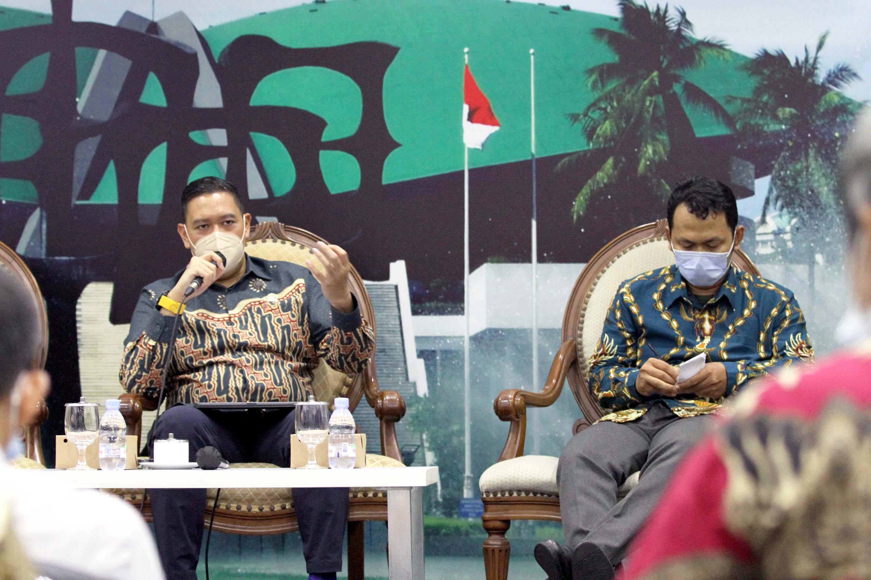 Diskusi Dialektika Demokrasi Membahas Pemberantasan KKB di Papua