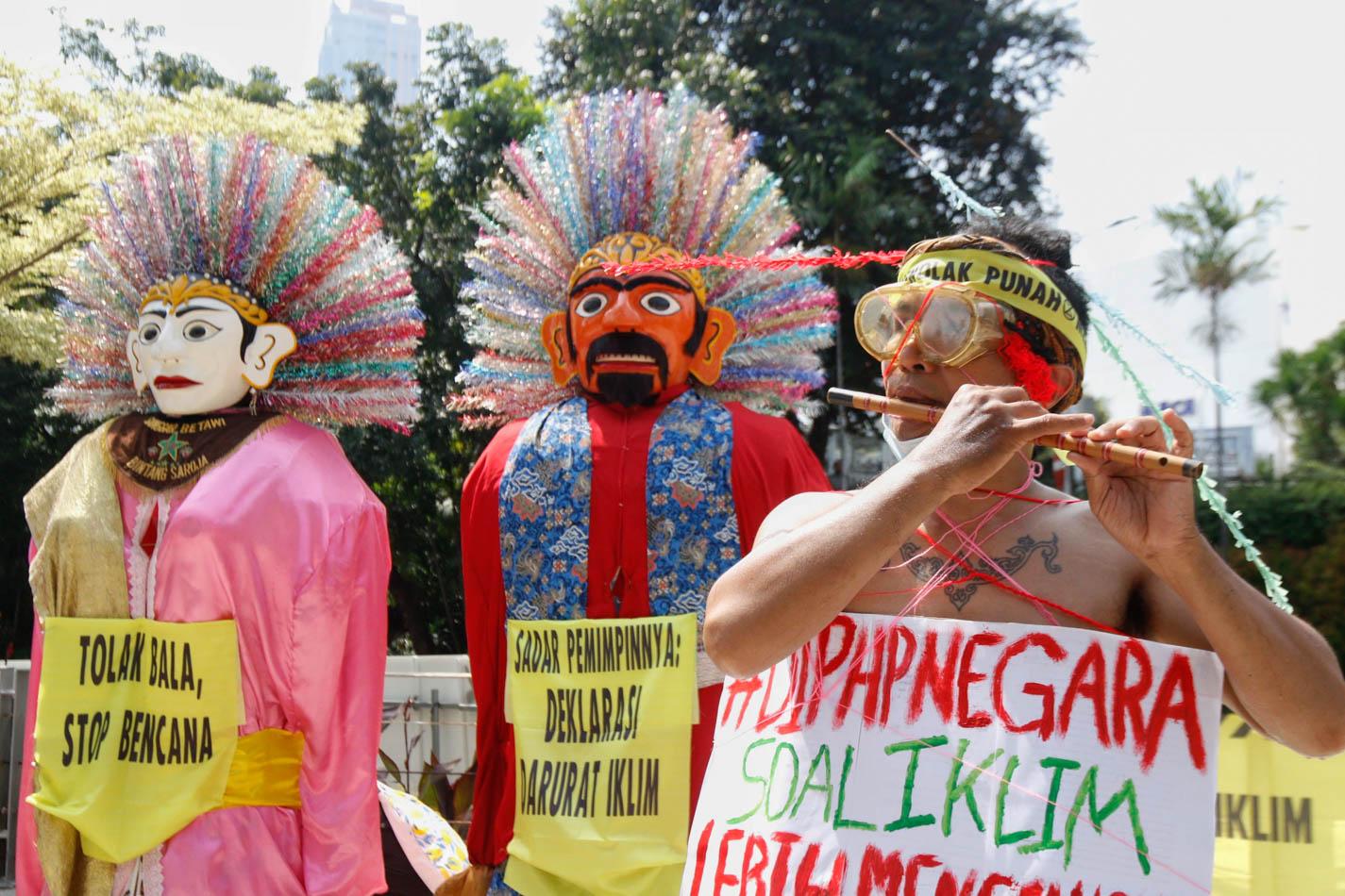 Aksi Protes Perubahan Iklim di Dukuh Atas