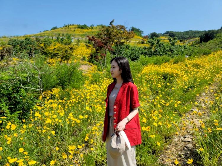 Potret Manis Park Eun-bin Bintang The Kings Affection saat Liburan Outdoor - Foto 4