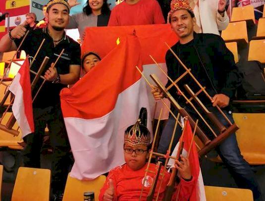 5 Potret Gemas Alejandro, Suporter Cilik Badminton Indonesia yang Curi Perhatian - Foto 1