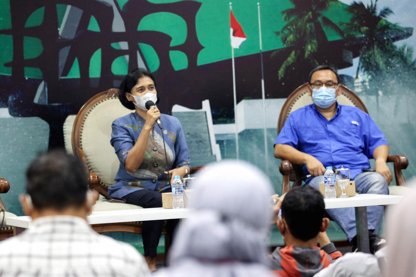 Diskusi Dialektika Demokrasi Membahas Kemenangan Tim Thomas Tanpa Bendera Merah Putih