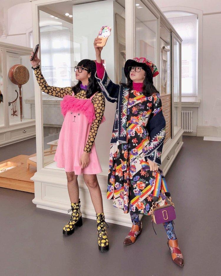 5 Fashion Desainer Wanita Ini Sukses Mendunia, Karyanya Dipakai Selebritas Internasional - Foto 2