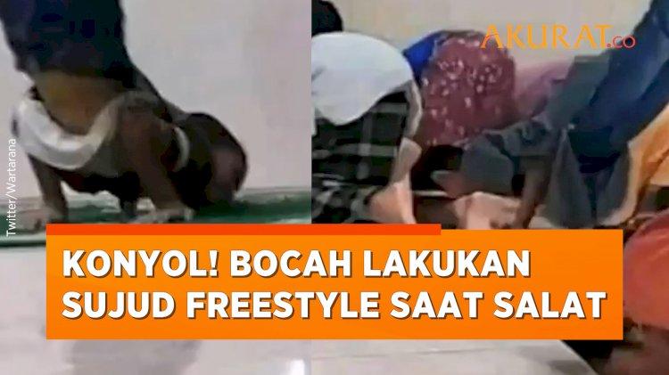 Lagi Ngetren! Bocah-bocah Lakukan Sujud Freestyle Saat Salat di Masjid
