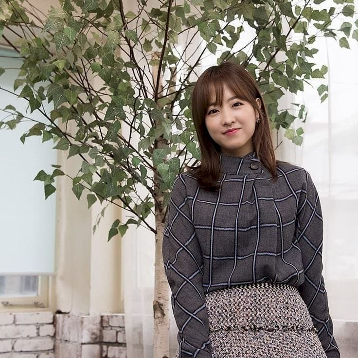 7 Potret Manis Park Bo-young, Makin Imut dengan Rambut Berponi - Foto 4