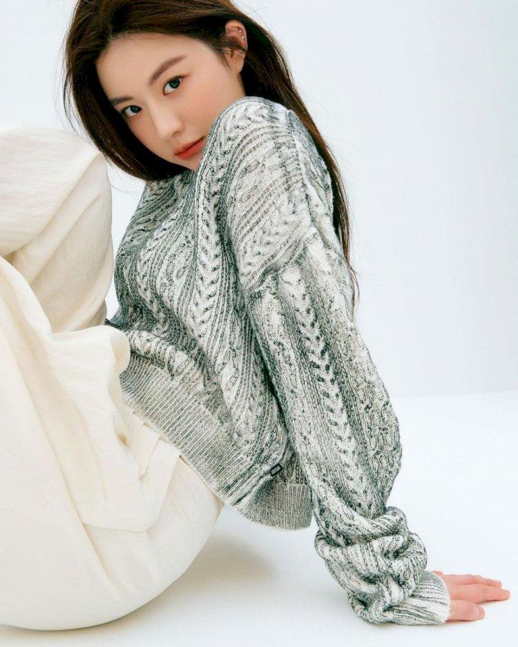 7 Potret Manis Go Yoon-jung, Aktris Rookie yang Bintangi Drama Law School - Foto 3