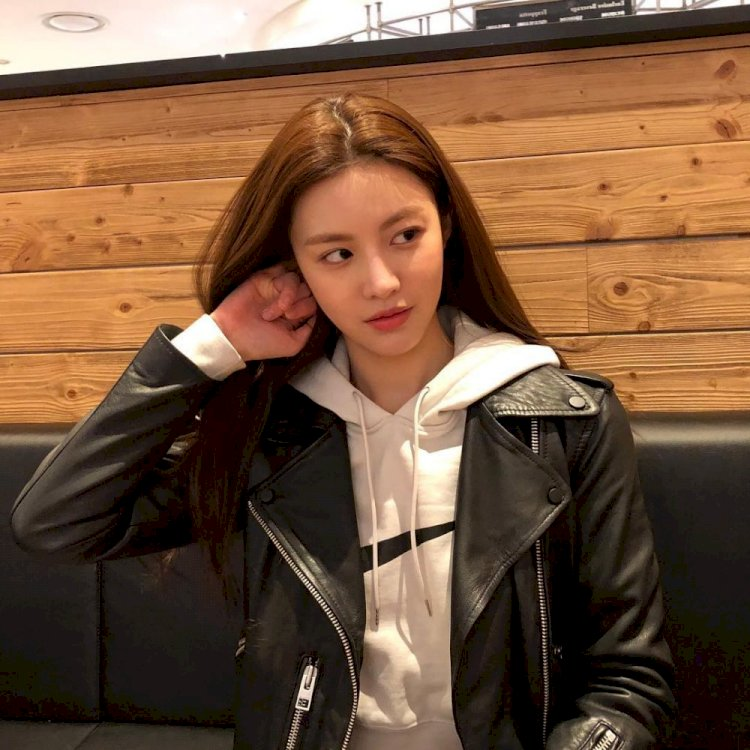 7 Potret Manis Go Yoon-jung, Aktris Rookie yang Bintangi Drama Law School - Foto 4