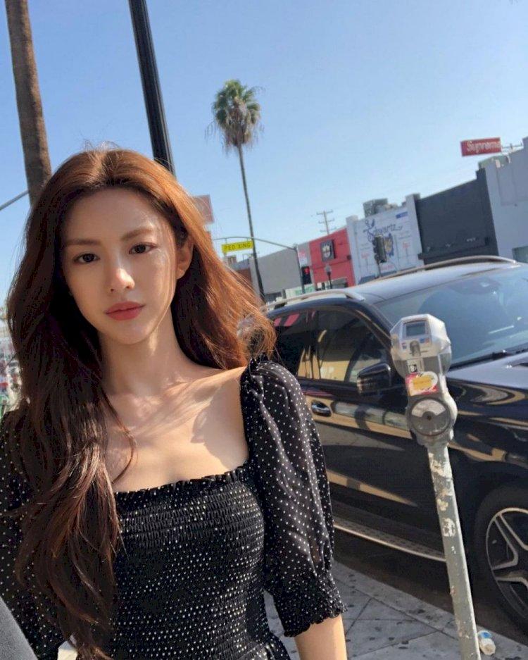 7 Potret Manis Go Yoon-jung, Aktris Rookie yang Bintangi Drama Law School - Foto 6