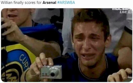 5 Meme Kocak Arsenal vs Wes Brom, Gooners Bisa Ketawa Puas Nih - Foto 3